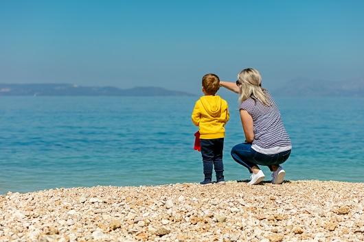 El derecho del progenitor no custodio a obtener información acerca de sus hijos