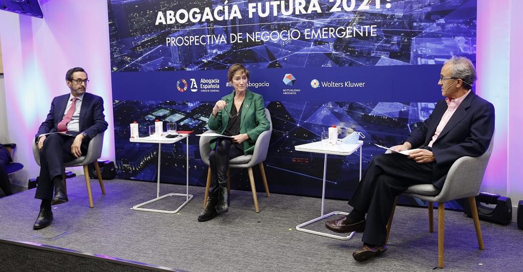 La Abogacía presenta el informe 'Abogacía Futura 2021', un análisis de nuevas áreas de negocio