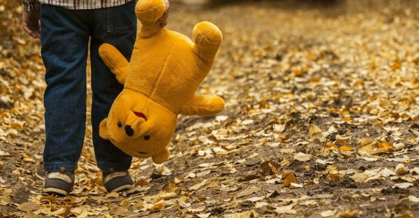La países de la UE deben garantizar la seguridad de los menores no acompañados expulsados
