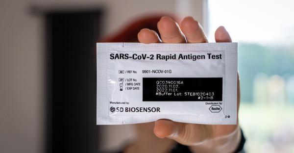 Las farmacias de Madrid podrán hacer tests de antígenos