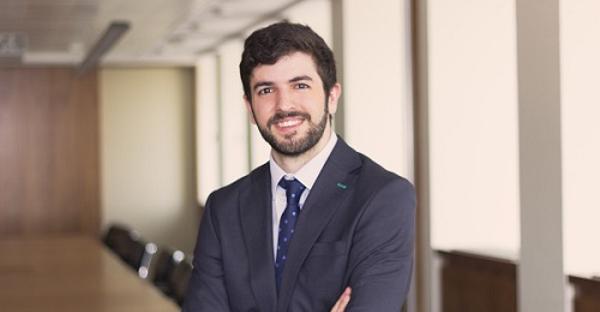 El abogado Borja Fernández Burgueño, ganador del IV Premio Ruiz de Castañeda