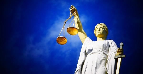 El Tribunal Supremo impone costas a un banco que se allanó tras rechazar la vía extrajudicial