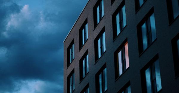 Un tribunal acepta el aplazamiento cautelar de la renta de un hotelero por el covid