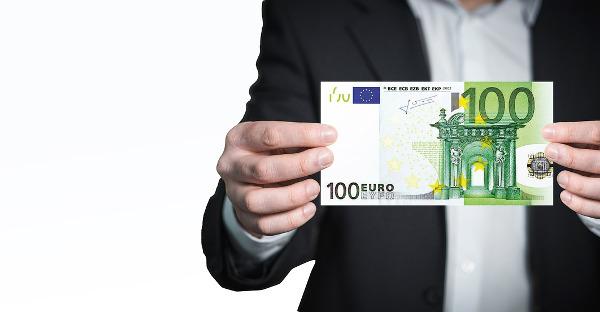 El Tribunal Supremo considera desproporcionado que un despacho de abogados cobre 300.000 euros a dos asociaciones de transporte