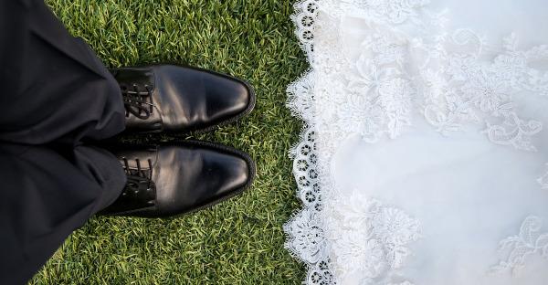 El permiso de matrimonio no se puede reservar si el contrato está suspendido por riesgo por embarazo