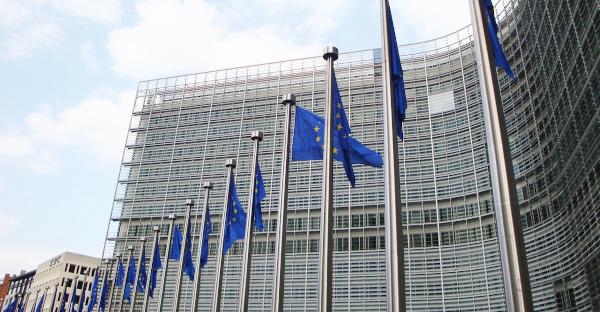La Comisión Europea propone eximir de IVA a bienes y servicios vitales para la pandemia
