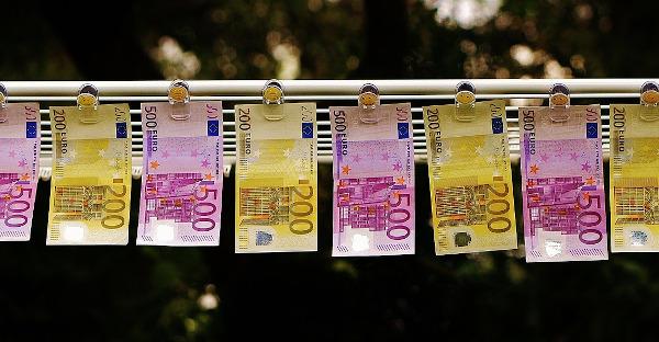 Nuevo delito de blanqueo de capitales: más agravantes y más control de las monedas virtuales