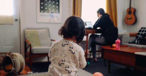 El derecho al teletrabajo para conciliar no depende únicamente del cargo en la empresa ni de la jornada escolar de los hijos