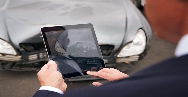 Programa de especialización Puesta al día en reclamaciones por accidentes de tráfico y seguro de defensa jurídica