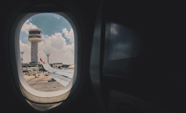 Es lícito exigir a un controlador aéreo un preaviso de cinco meses para dimitir