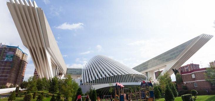 """El Centro Comercial Modoo, """"el Calatrava de Oviedo"""" en venta"""