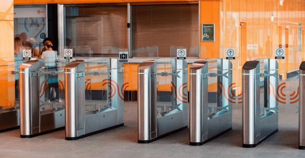 Es legal utilizar el sistema de control de acceso al centro de trabajo para sancionar incumplimiento de horarios