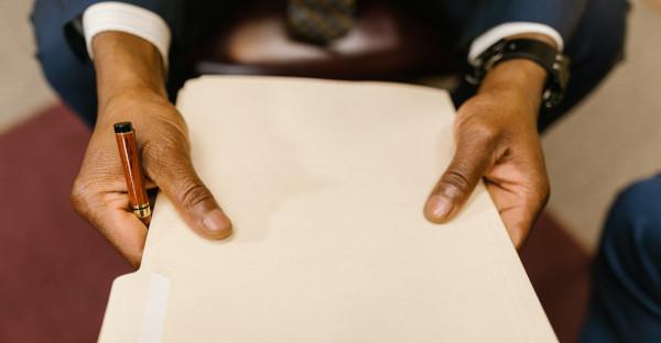 Reconocido el derecho de una persona física a la solicitud de concurso en el que aparece un solo acreedor