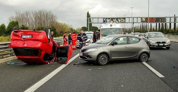 La justicia aprecia responsabilidad en la conductora que atropelló a un peatón tumbado en la calzada