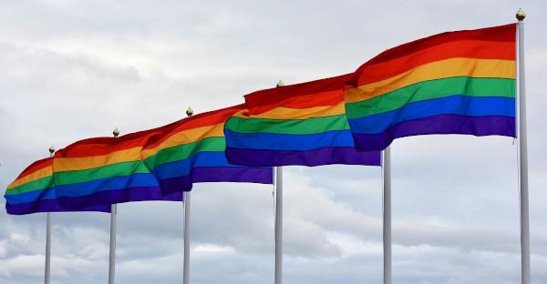 El Parlamento Europeo pide retirar los fondos a Hungría por vulnerar los derechos LGTBI+