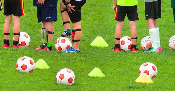 Un tribunal condena a dos hombres por pelearse en el partido de fútbol de sus hijos
