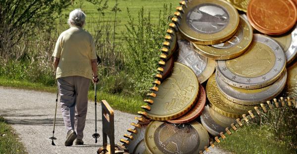 Condenada una mujer por sustraer más de 36.000 euros a la anciana que cuidaba