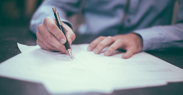 La justicia responsabiliza a la aseguradora por aceptar un cuestionario de salud en blanco