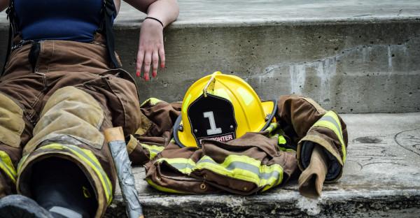 Las pausas de los bomberos son tiempo de trabajo si deben estar listos para emergencias