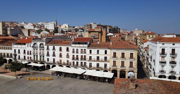 El Supremo respalda la limitación de las reuniones familiares a un máximo de 4 personas en Cáceres