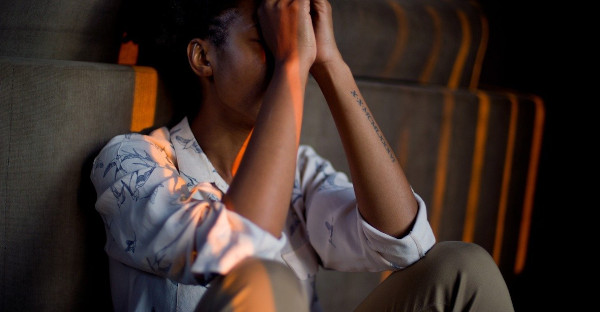 El trauma derivado de recibir un toque de atención en el trabajo puede ser accidente laboral