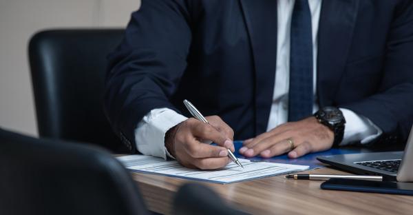 Ley 15/2021, de 23 de octubre: abogados y procuradores podrán integrarse en la misma sociedad profesional