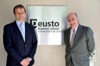 De izquierda a derecha: Luc Theis, director general de Deusto Business School y Miquel Roca, presidente del bufete Roca Junyent